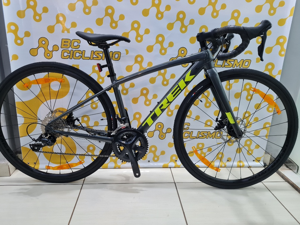 Bicicleta Trek Domane AL3 Disco