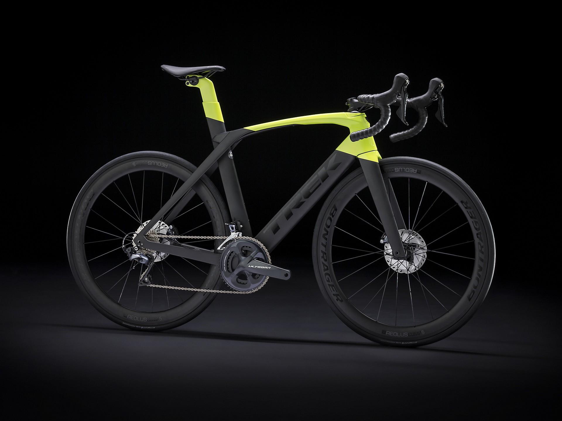 Bicicleta Trek Madone SL6 Disco na cor preto e amarelo fluo