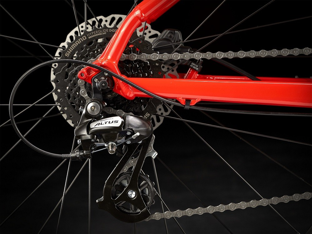 Bicicleta Trek Marlin 6 na cor Radioactive Red/Trek Black