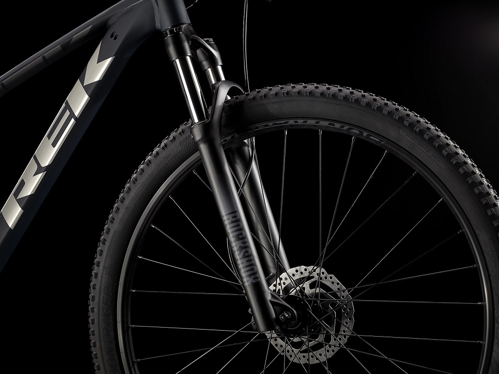 Bicicleta Trek Marlin 7 na cor Matte Nautical Navy/Matte Anthracite (modelo 2022)