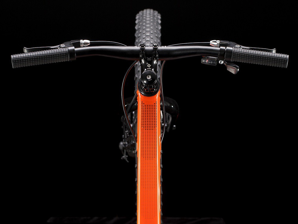 """Bicicleta Trek Roscoe 24"""" na cor laranja"""