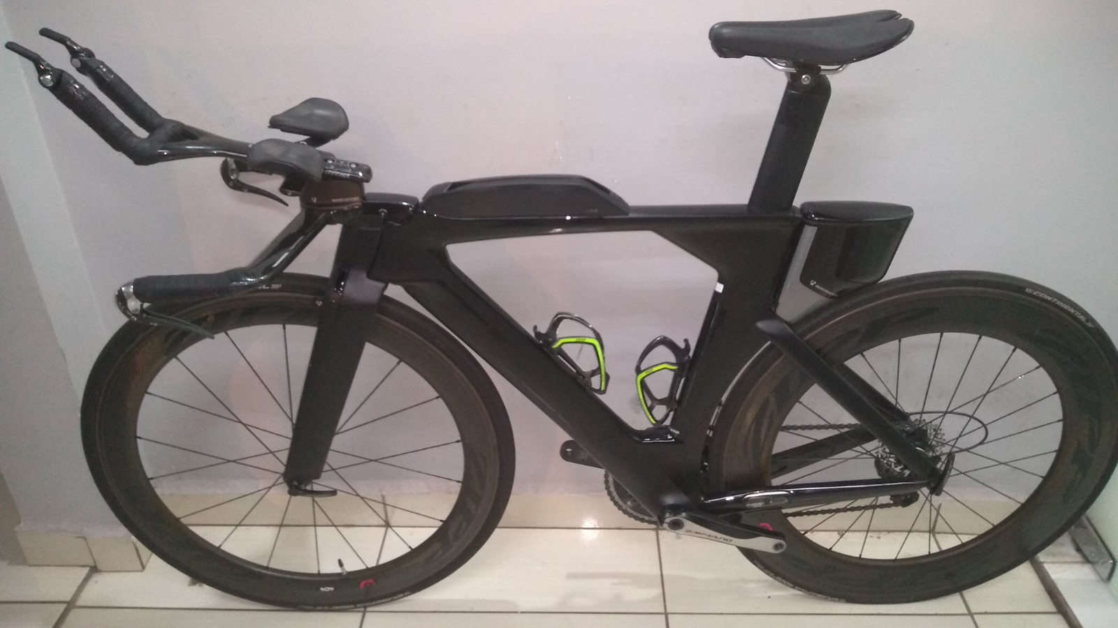 Bicicleta Trek Speed Concept (SEM AS RODAS ZIPP)