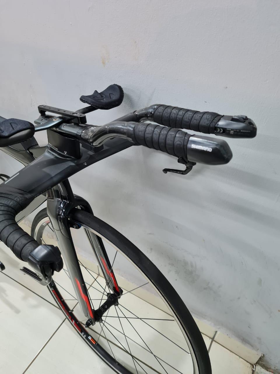 Bicicleta Trek Speed Concept Shimano Di2 (produto usado)