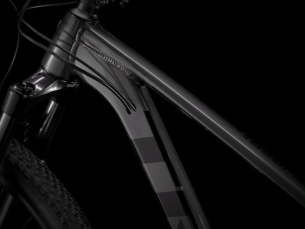 Bicicleta Trek X-caliber 8 na cor Preto (modelo 2021)