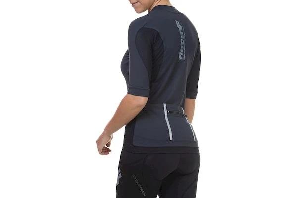 Camisa Flets  Feminina manga curta sem recorte na cor preto