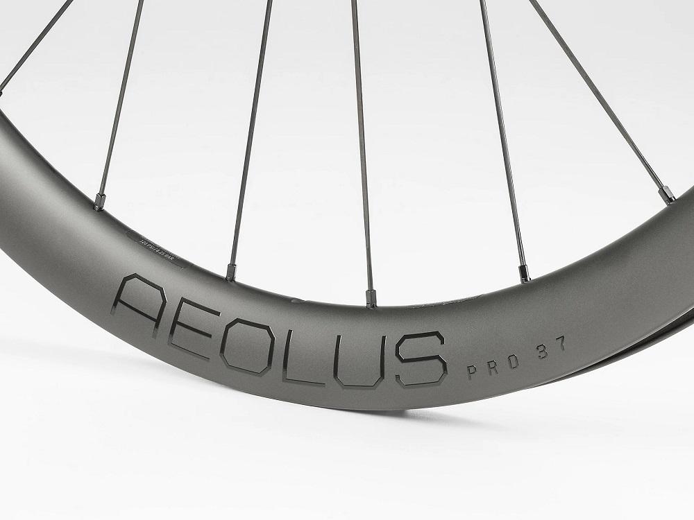 Roda de estrada Bontrager Aeolus Pro 37 TLR Disc (par)