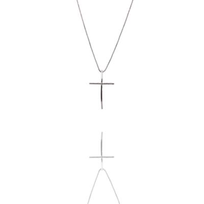 Colar Barbara Strauss Semi Joia Crucifixo Em Zircônia Transparente, Revestido Em Ouro Branco 18K