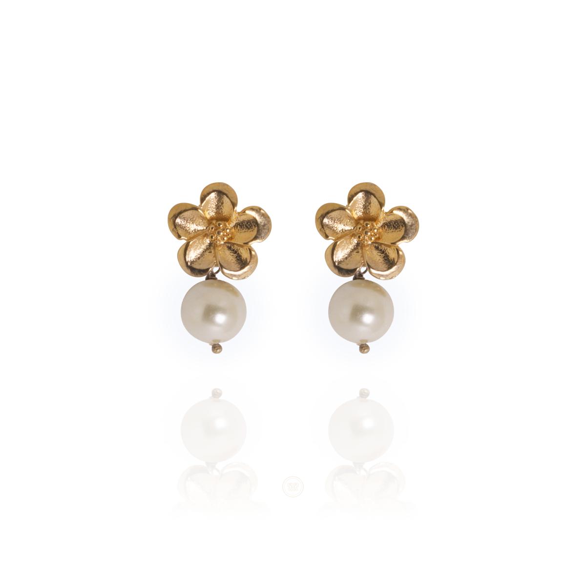 Brinco Barbara Strauss Semi Joia Mênfis Em Pérola Lalique, Rev. Em Ouro Amarelo 18K