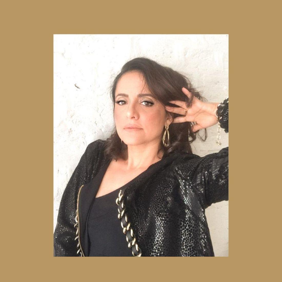 Brinco Dourado Infinit Metal Banhado a Ouro Barbara Strauss