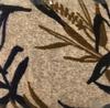 Estampado nude com folhas preto e marrom