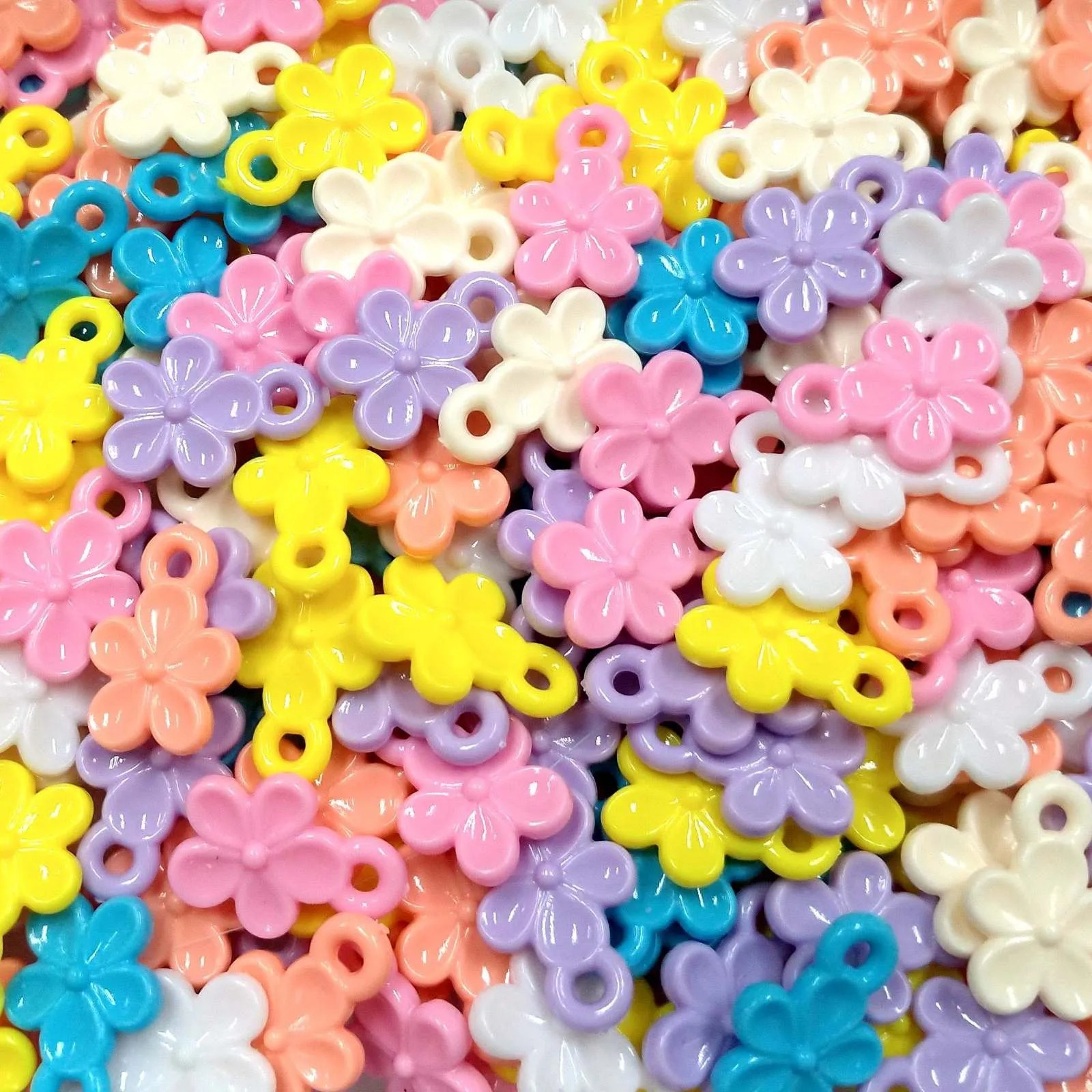 Pingente Plástico Flores Coloridas 14x19mm - Pacote 65 unidades