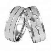 Aliança de Namoro de  Aço Diamantadas Coração Vazado 7,5mm