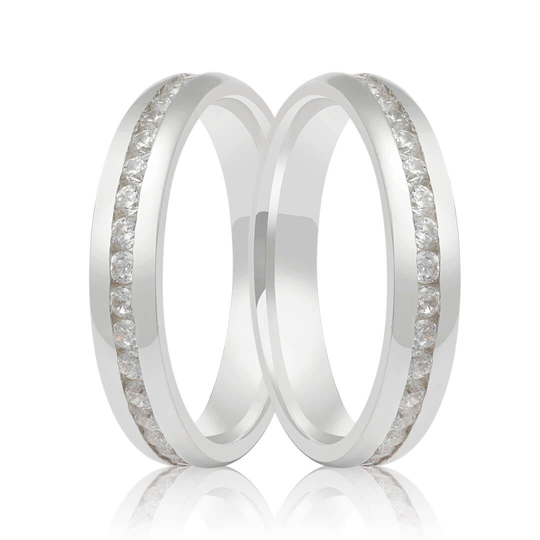 Aliança de Namoro de Prata 4mm abaulada  friso central cravejado