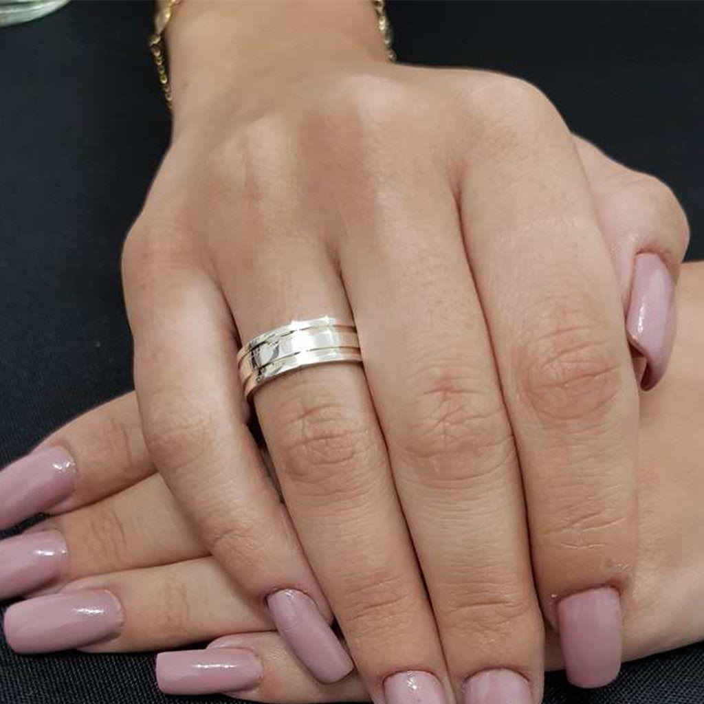 Aliança de Namoro de Prata Abaulada  reta com 2 filetes de Ouro
