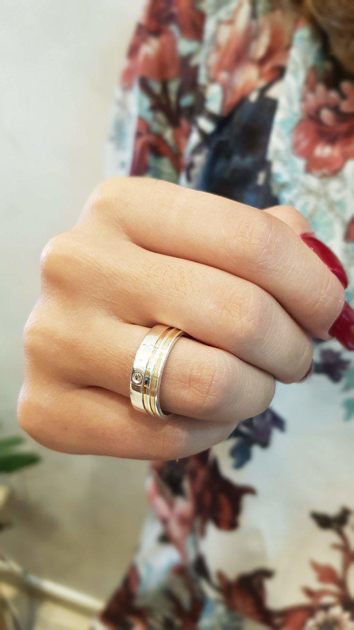 Aliança de Namoro de Prata de leI Reta com 2  filetes de ouro