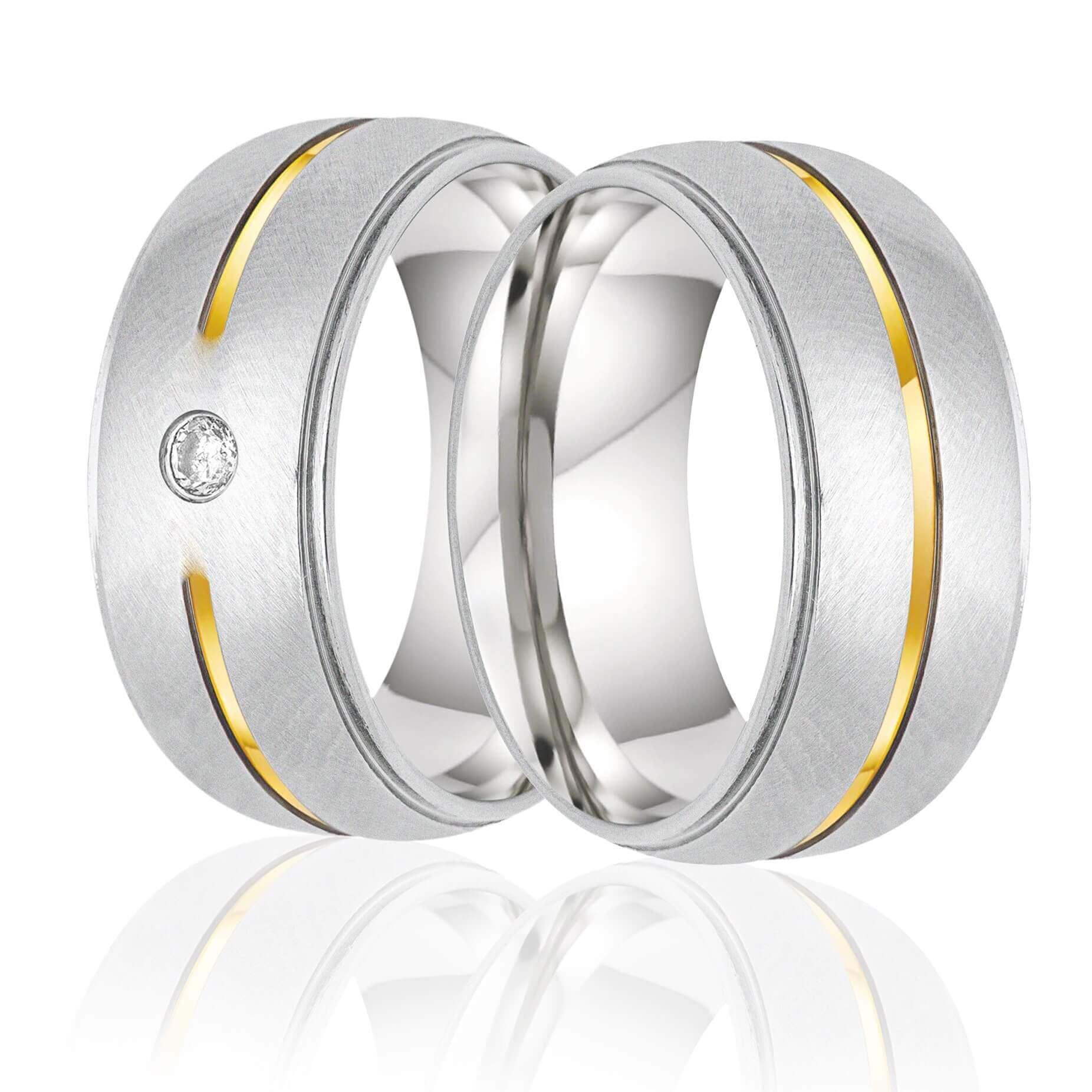 Aliança de Namoro de aço com friso central em Ouro