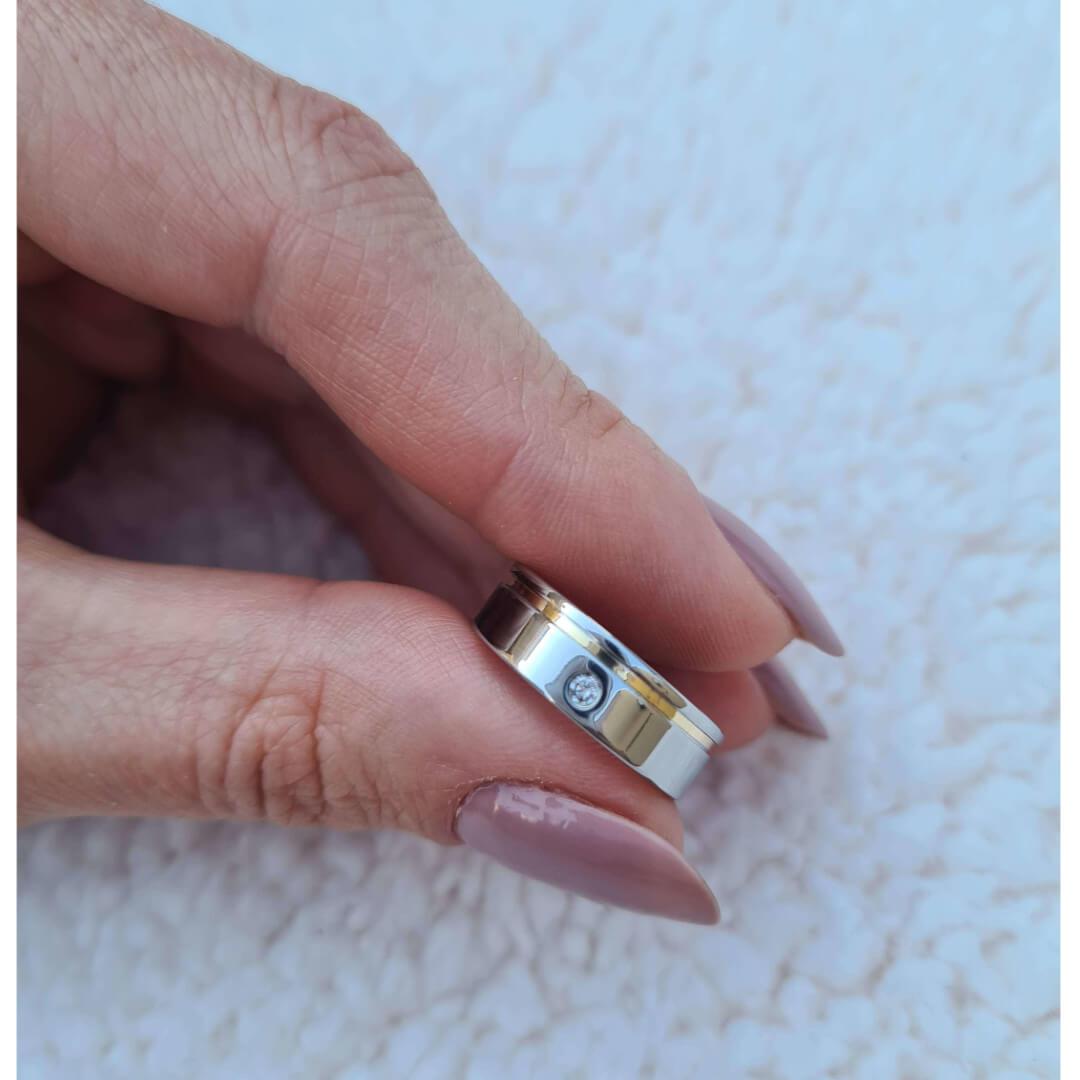 Alianças de Namoro PARIS  Reta 1 Filete de Ouro Lateral - 6mm