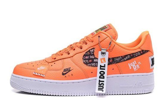 Tênis Nike Air Force 1 '07 Premium JUST DO IT - Laranja/Branco