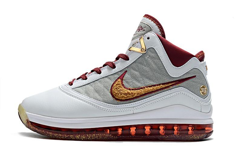 Tênis Nike LeBron 7