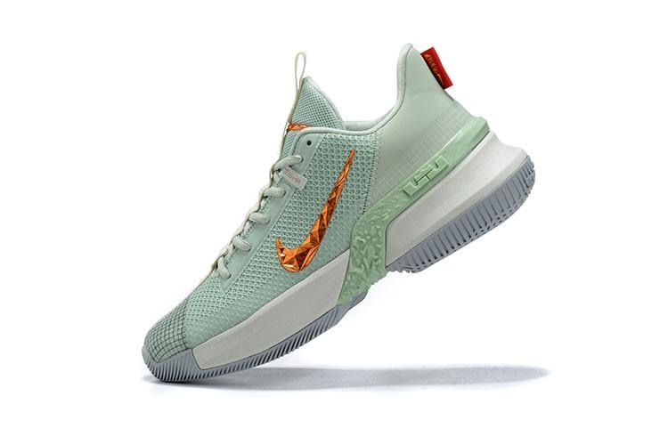Tênis Nike LeBron Ambassador 13