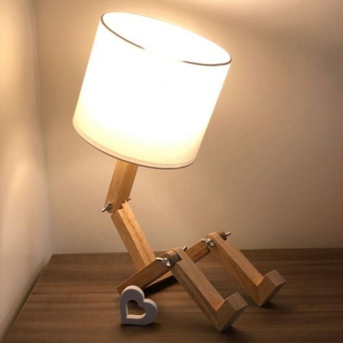 Luminária Articulada Com Pernas