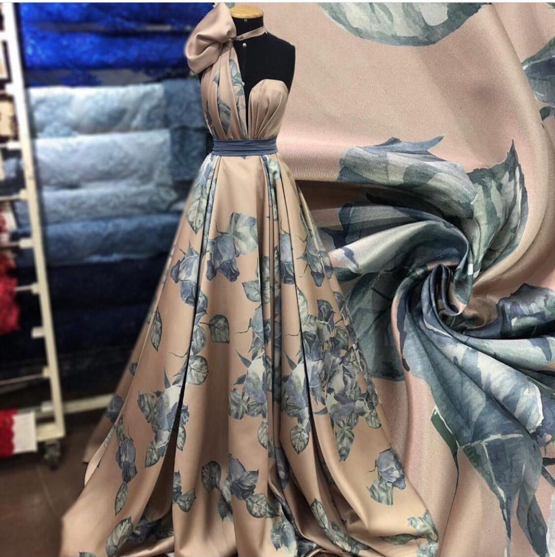 Tecido Zibeline Estampada Floral Nude/Azul