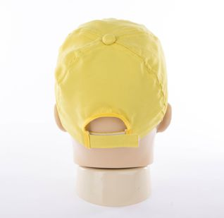 Boné em tecido tactel (microfibra) - Modelo Japonês com fecho em plástico - R$3,49 unidade, pedido mínimo de 100 unidades
