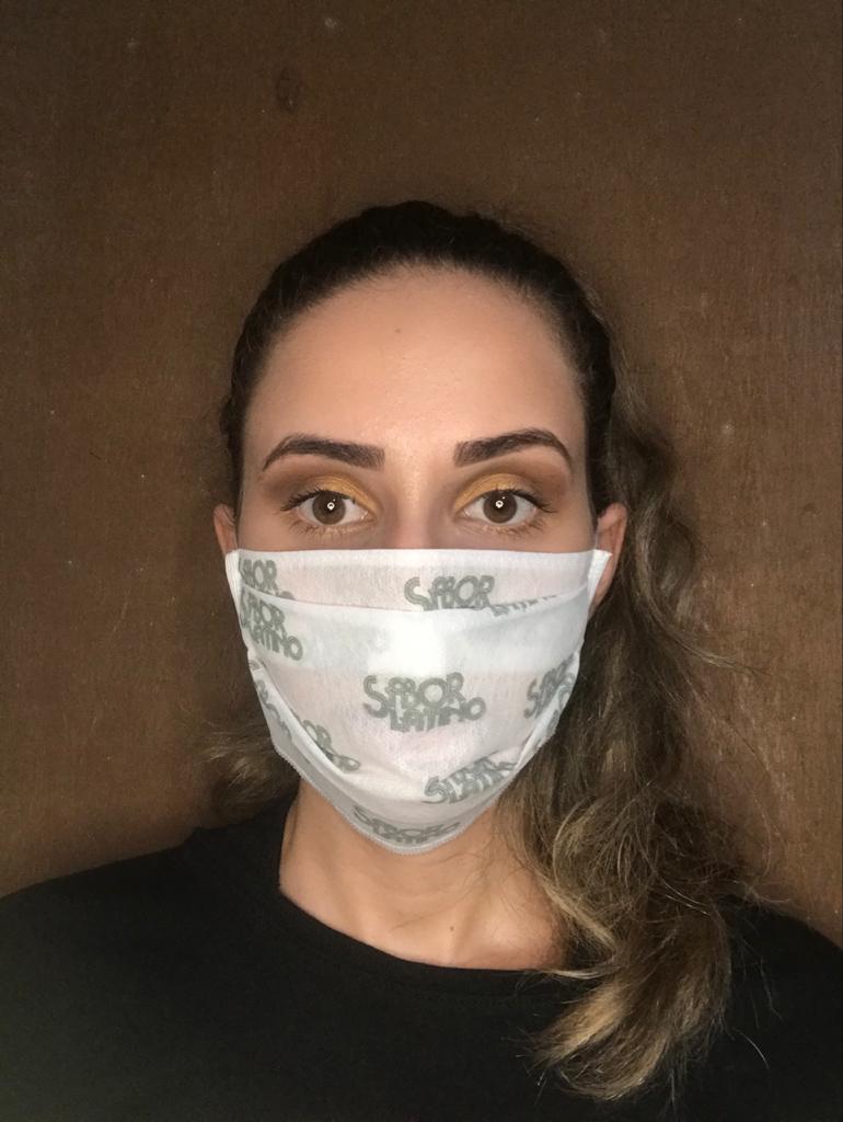 Máscara em TNT - R$2,00 unidade pedido mínimo de 100 unidades.