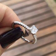 Anel de Prata 925 Solitário Cravejado
