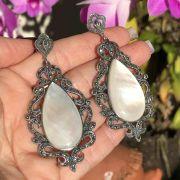 Brinco de Prata 925 Marcassita e Madrepérola Branca Oval