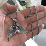 Pingente de Prata 925 Rabo de Sereia Trabalhado 3,5cm x 5cm