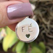 Pingente de Prata 925 Redondo Fé com Coração 1,8cm