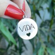Pingente de Prata 925 Redondo Vida com Coração 1,8cm