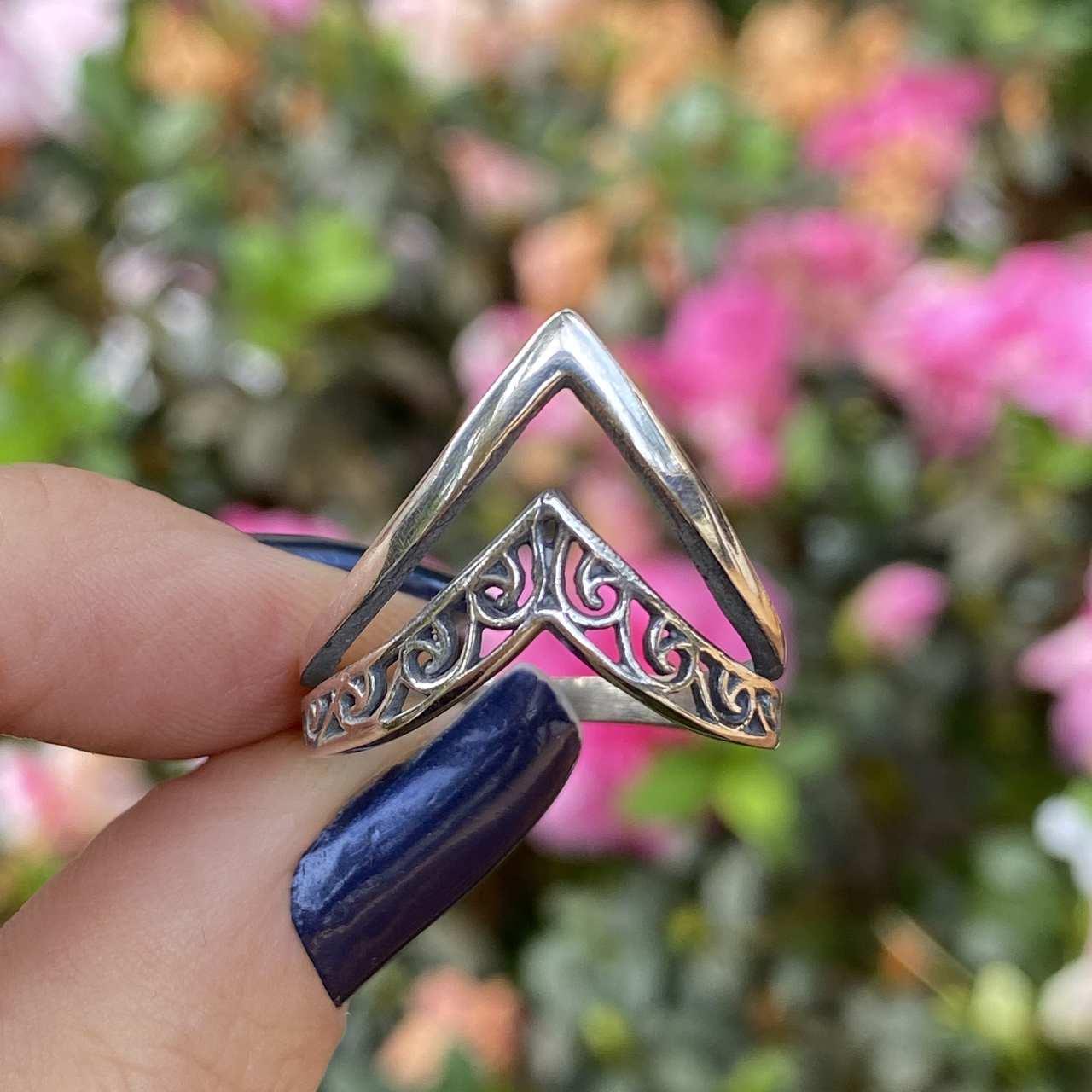 Anel de Prata 925 2 Pontas Triangular Envelhecido