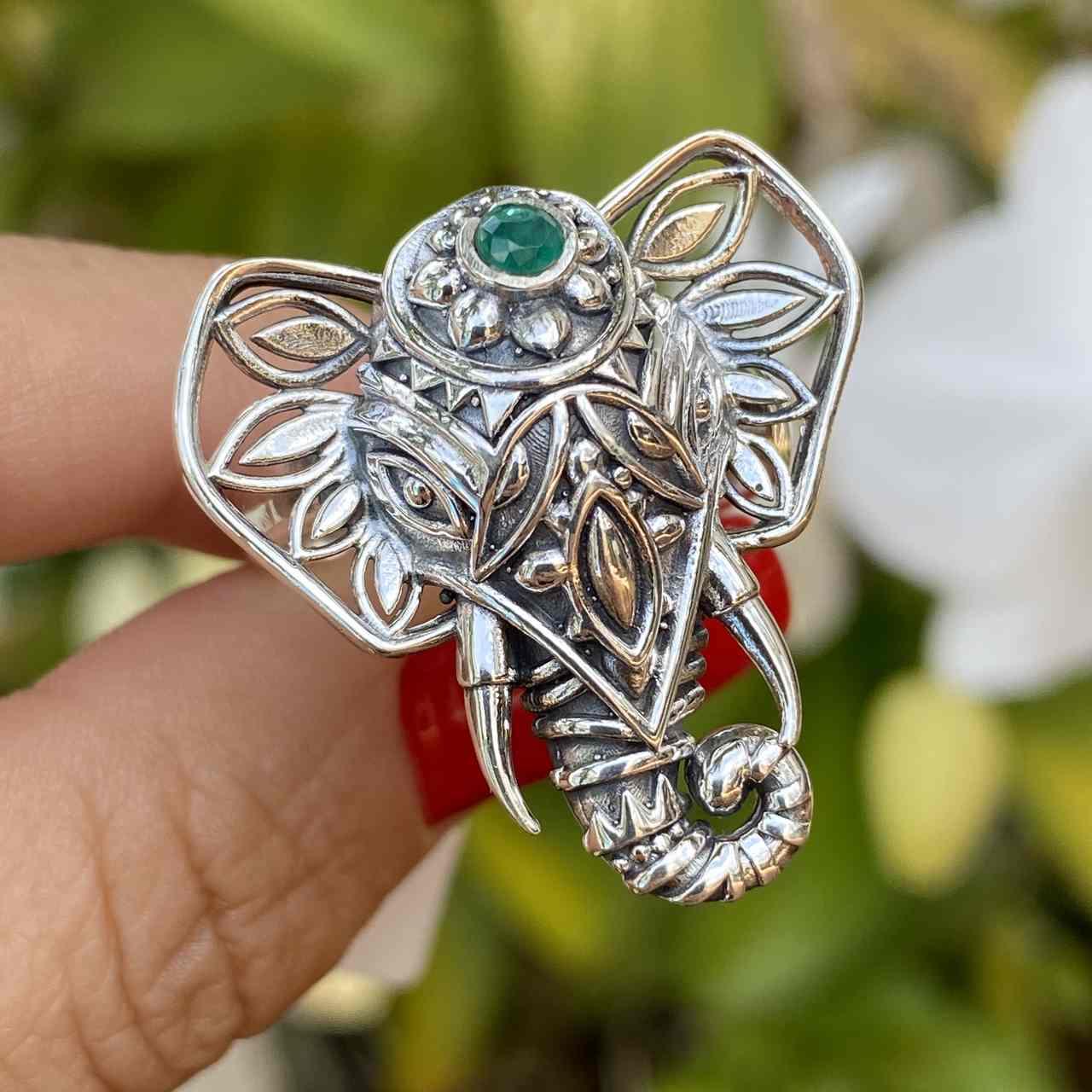 Anel de Prata 925 Cabeça de Elefante Ágata Verde Trabalhado