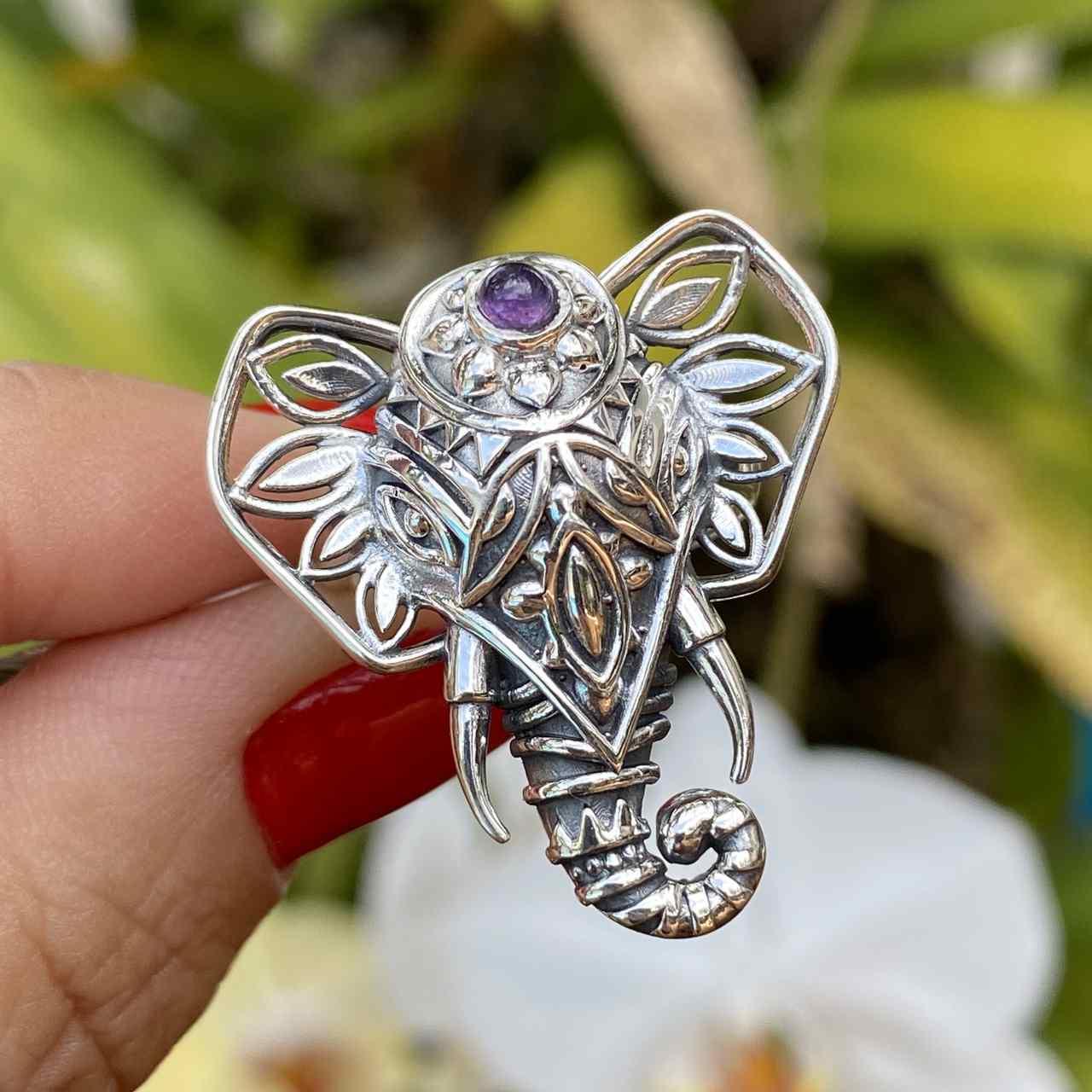 Anel de Prata 925 Cabeça de Elefante Ametista Trabalhado