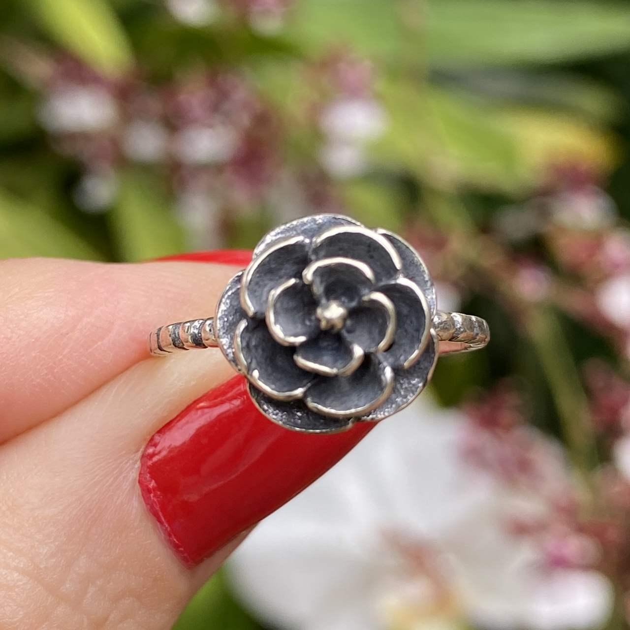 Anel de Prata 925 Florzinha Envelhecida Aro Bolinha