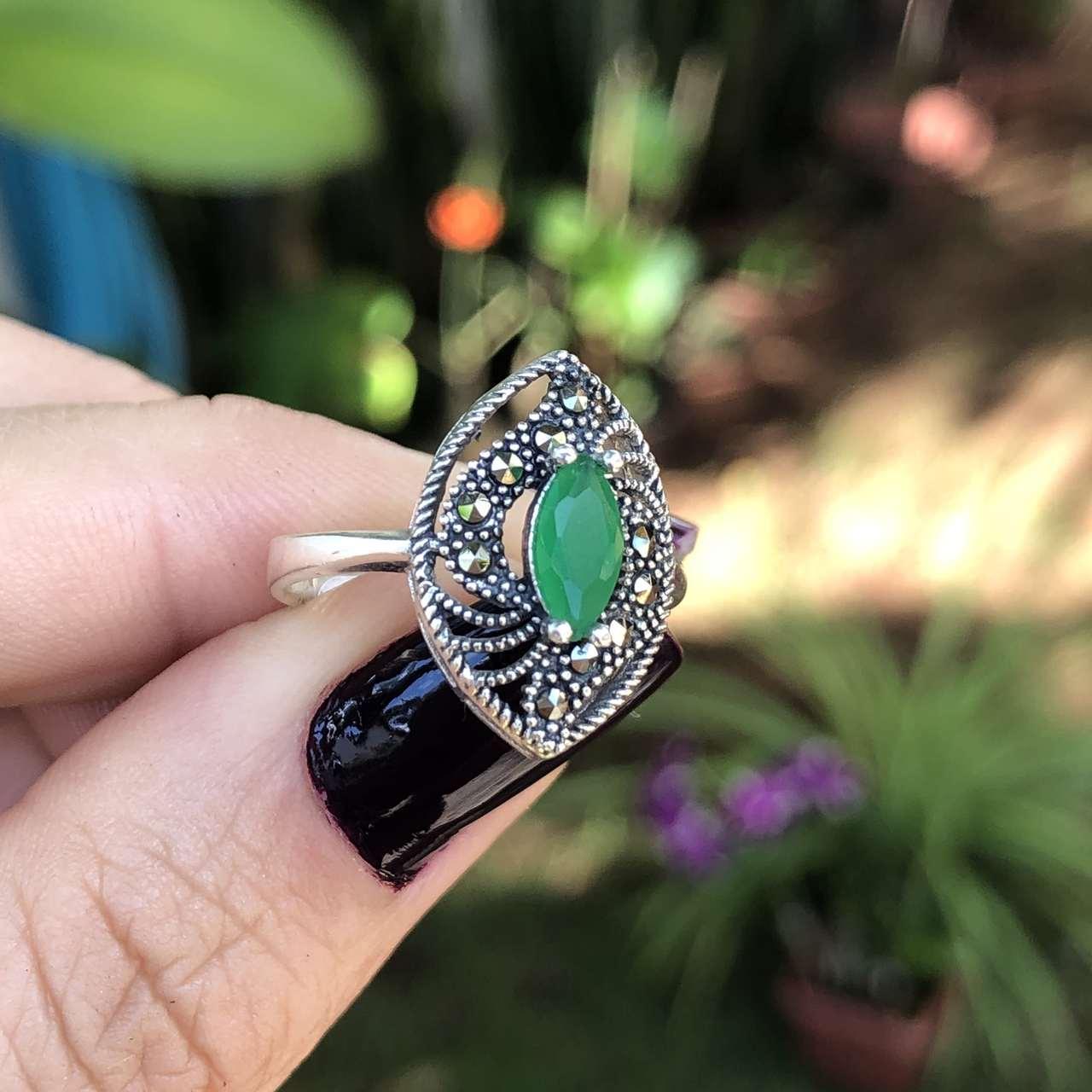 Anel de Prata 925 Oval Pedra Ágata Verde Gota e Marcassita