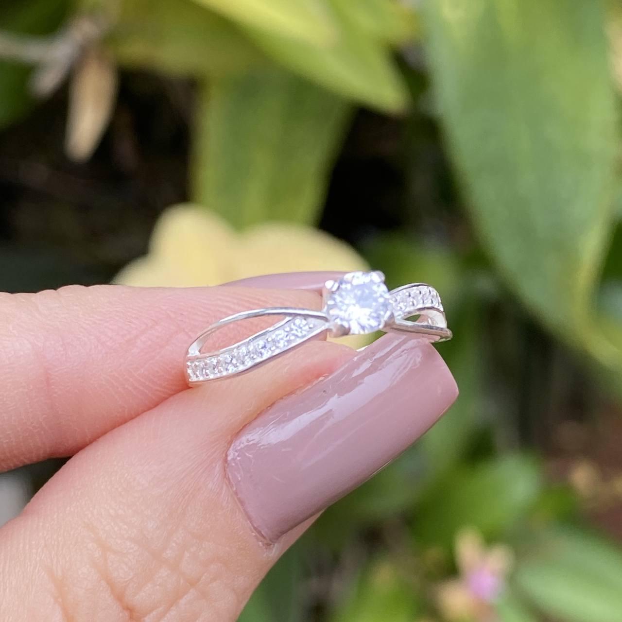 Anel de Prata 925 Solitário Dois Fios Cravejado Cristal
