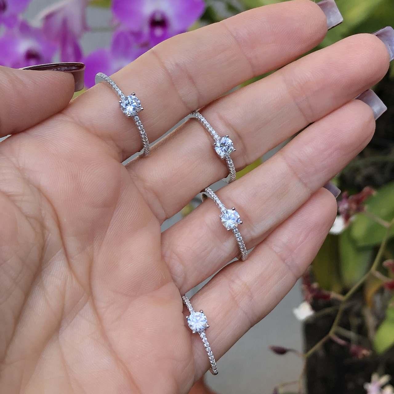Anel de Prata 925 Solitário Zircônia Cravejado Lat. Cristal