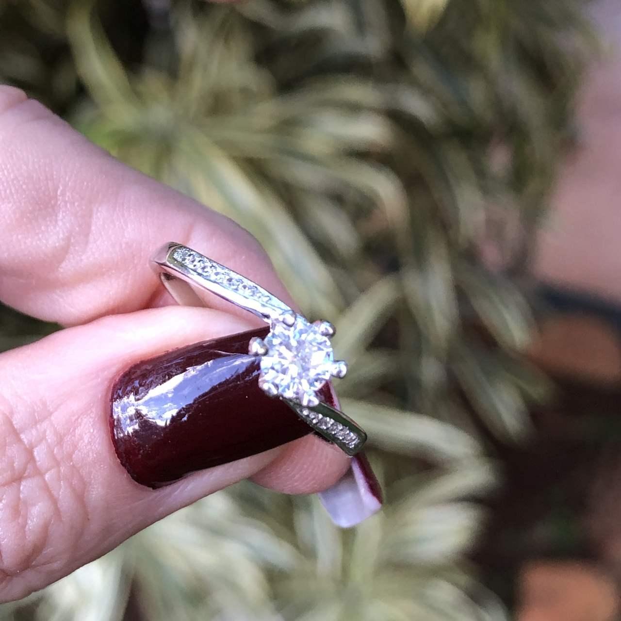 Anel de Prata 925 Solitário Zircônia Cristal e Cravejado