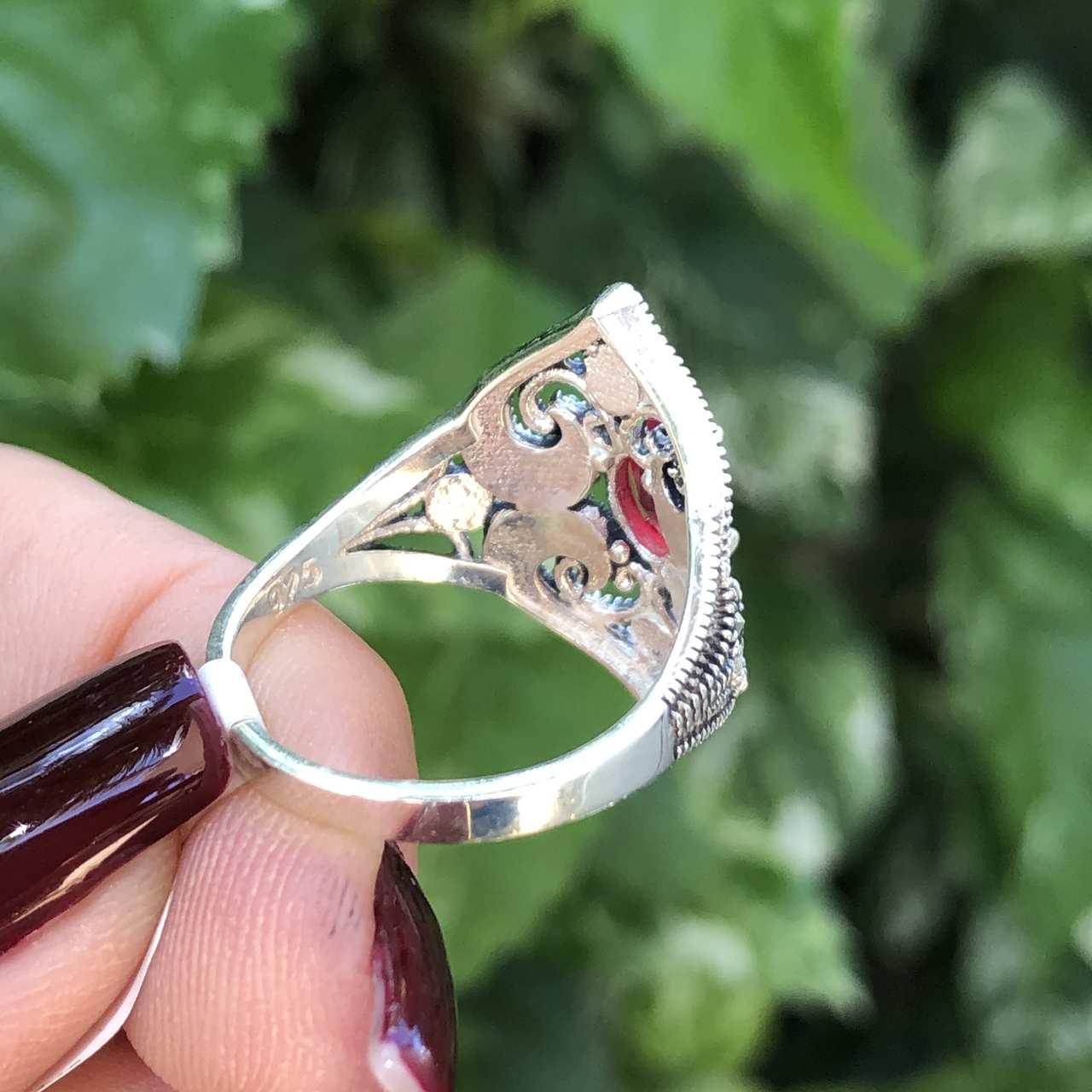 Anel de Prata 925 Triangular Ágata Vermelha e Marcassita