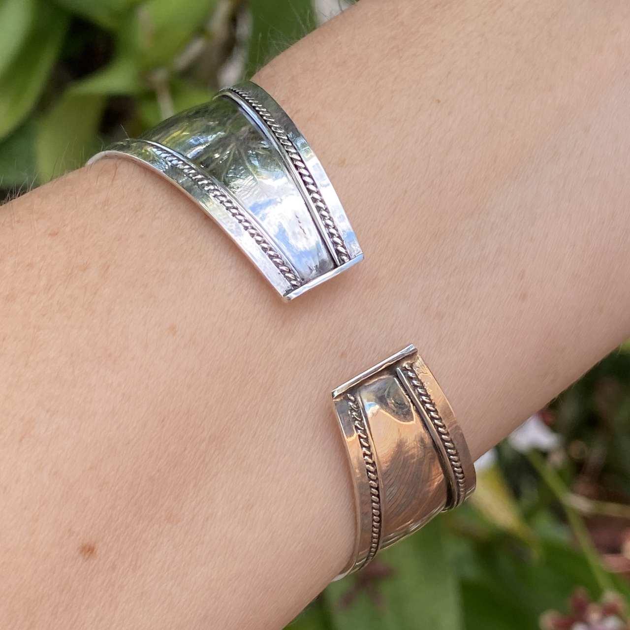 Bracelete de Prata 925 Indiano Larg Borda Central Trabalhado
