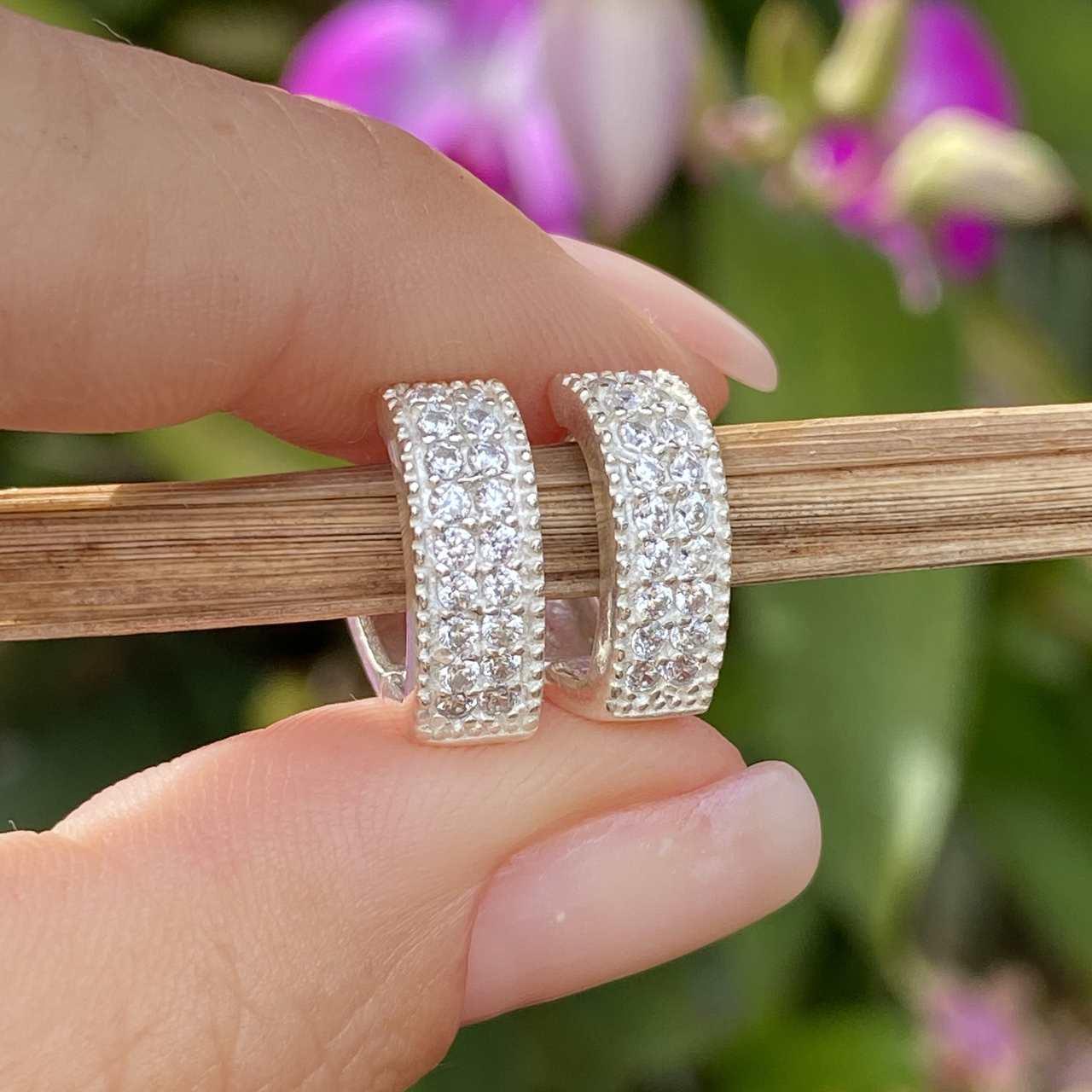 Brinco de Prata 925 Argolinha Clique Coração Cravej. Cristal