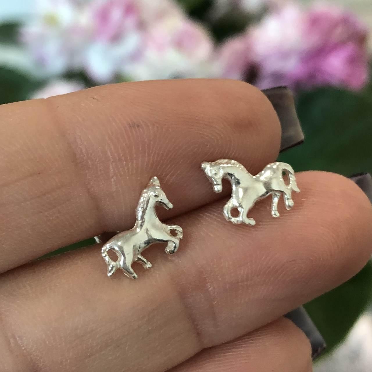 Brinco de Prata 925 Cavalo Primeiro e Segundo Furo