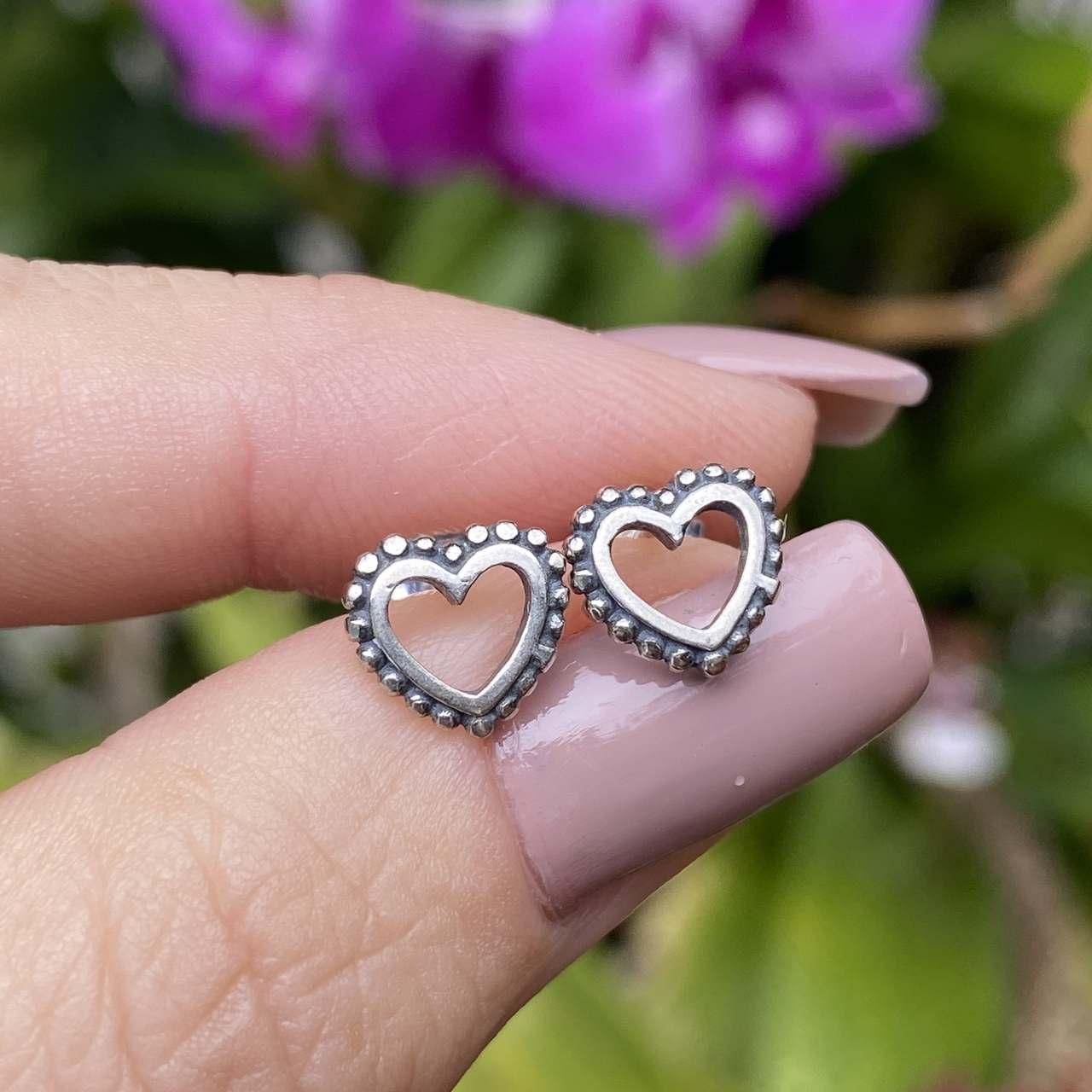 Brinco de Prata 925 Coração Vazado Envelhecido 0,9cm