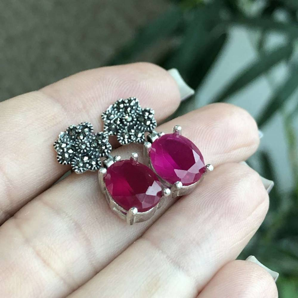 Brinco de Prata 925 Flor e Pedra Ágata Vermelha