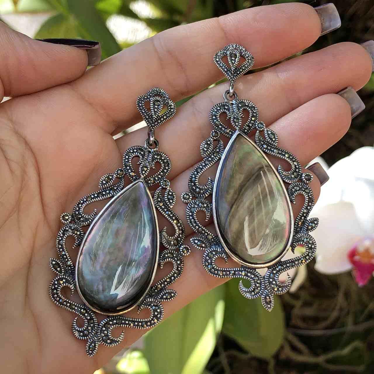 Brinco de Prata 925 Marcassita e Madrepérola Negra Oval