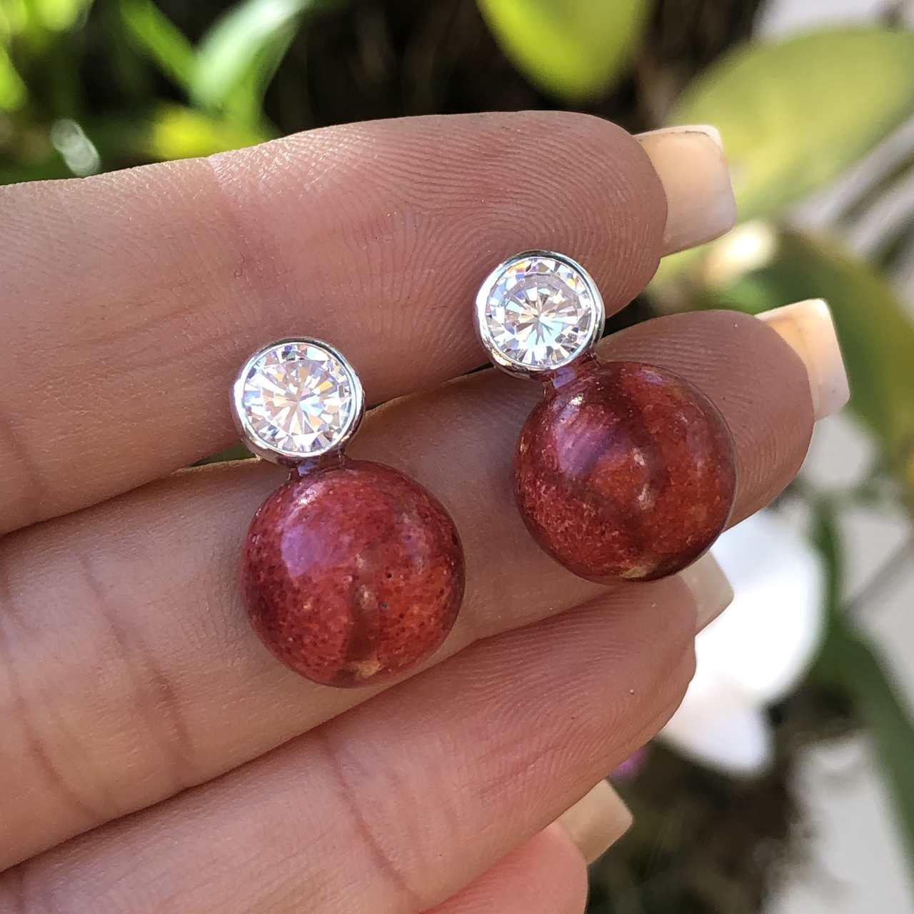 Brinco de Prata 925 Pedra Coral e Ponto de Luz