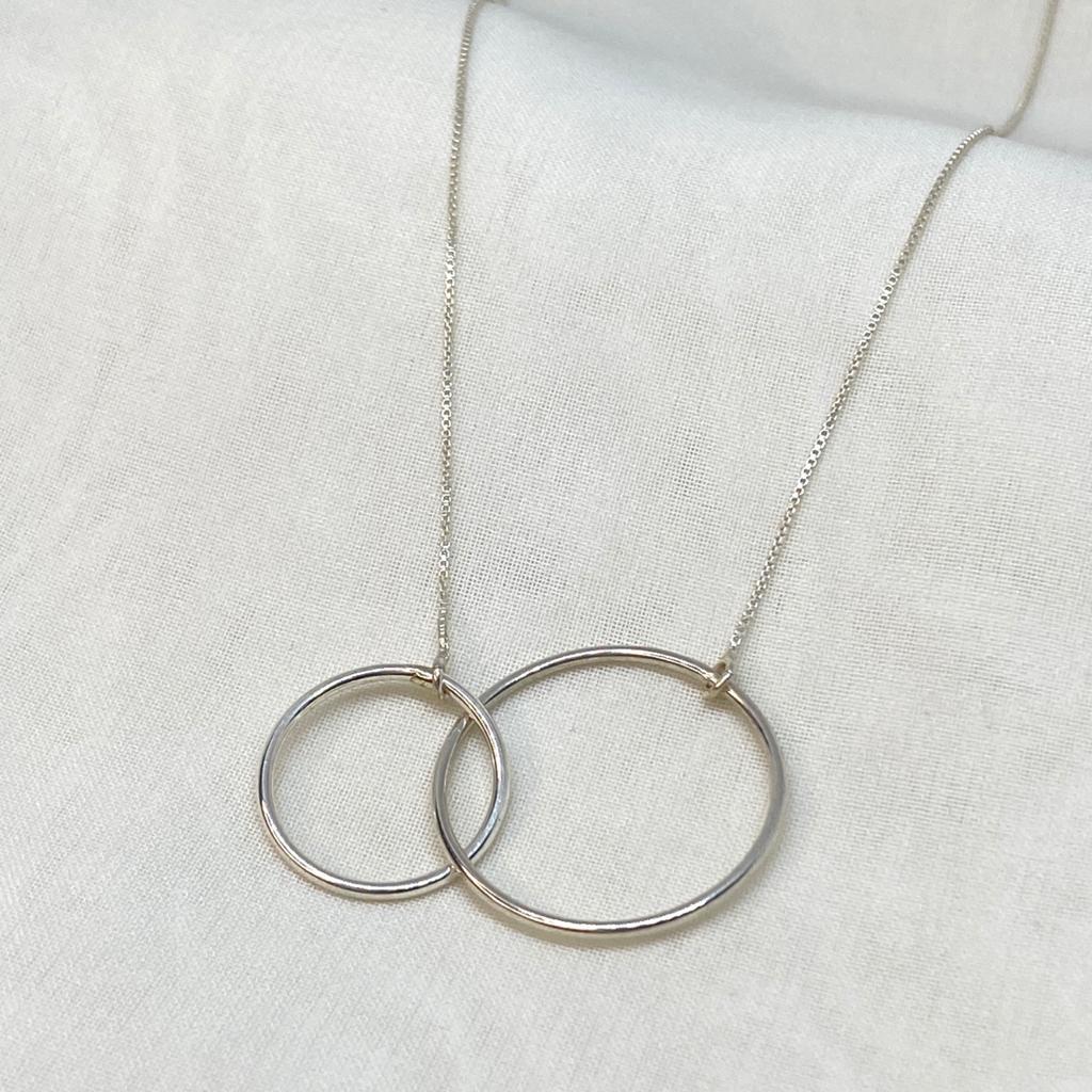 Colar de Prata 925 Dois Círculos